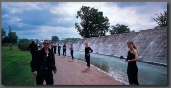 Jardin des deux rives le carr d 39 art cole de danse for Jardin des 2 rives strasbourg